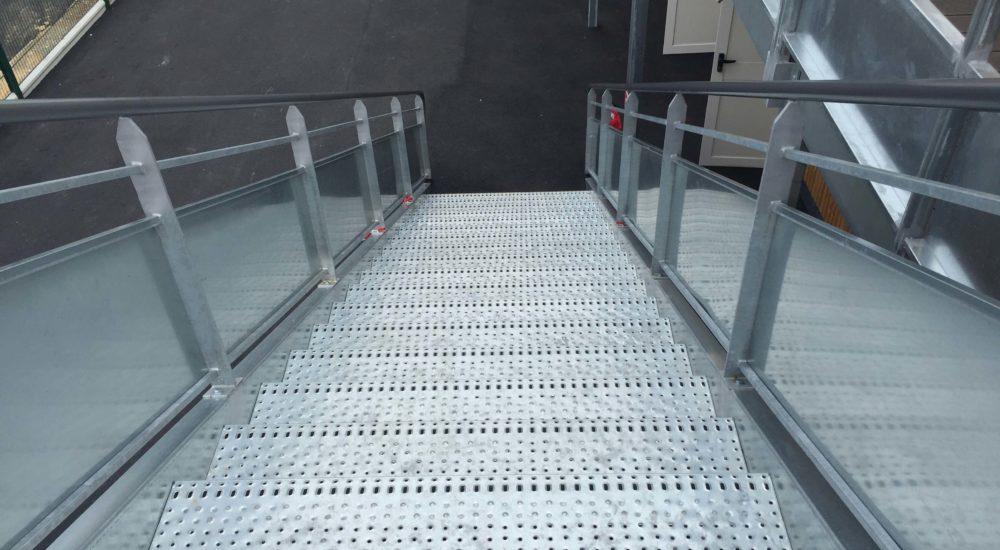 escalier metallique préfabriqué